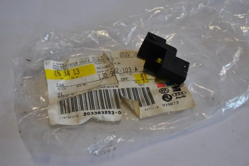Micro schakelaar art.nr. 1J0962103A