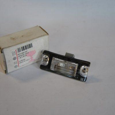 Kentekenplaatverlichting voor Audi A4 art.nr. 8D0943021