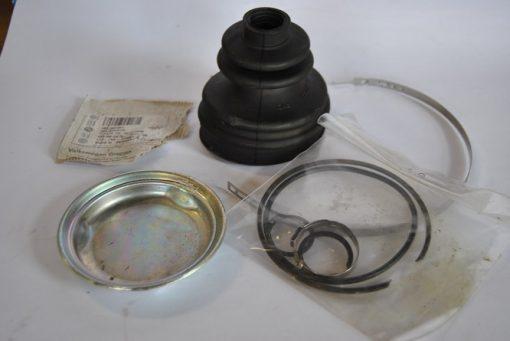 Homokineethoes met montagedelen en smeervet, o.a. voor Audi A6.A8. VW Golf/Polo, art.nr. 4B0498201