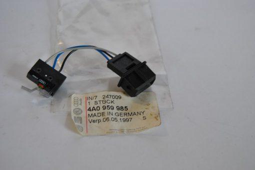 Micro schakelaar voor Audi 100 en A6 art.nr. 4A0959985