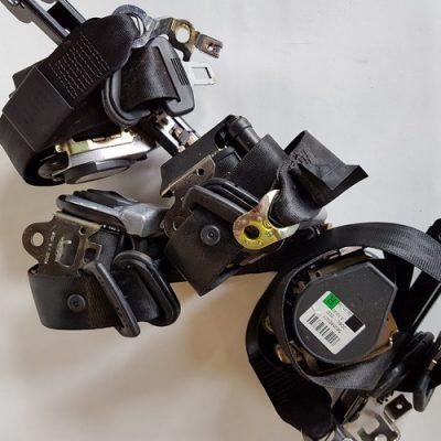 Set van 4 veiligheidsgordels met gordelspanners voor Audi A3 8LSet van 4 veiligheidsgordels met gordelspanners voor Audi A3 8L